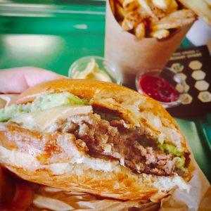 Bioburger Paris la Défense - Burger avocado