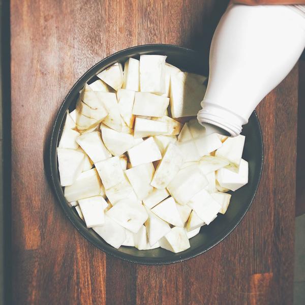 Étape 2 : Couvrir avec le lait à 3/4 de hauteur